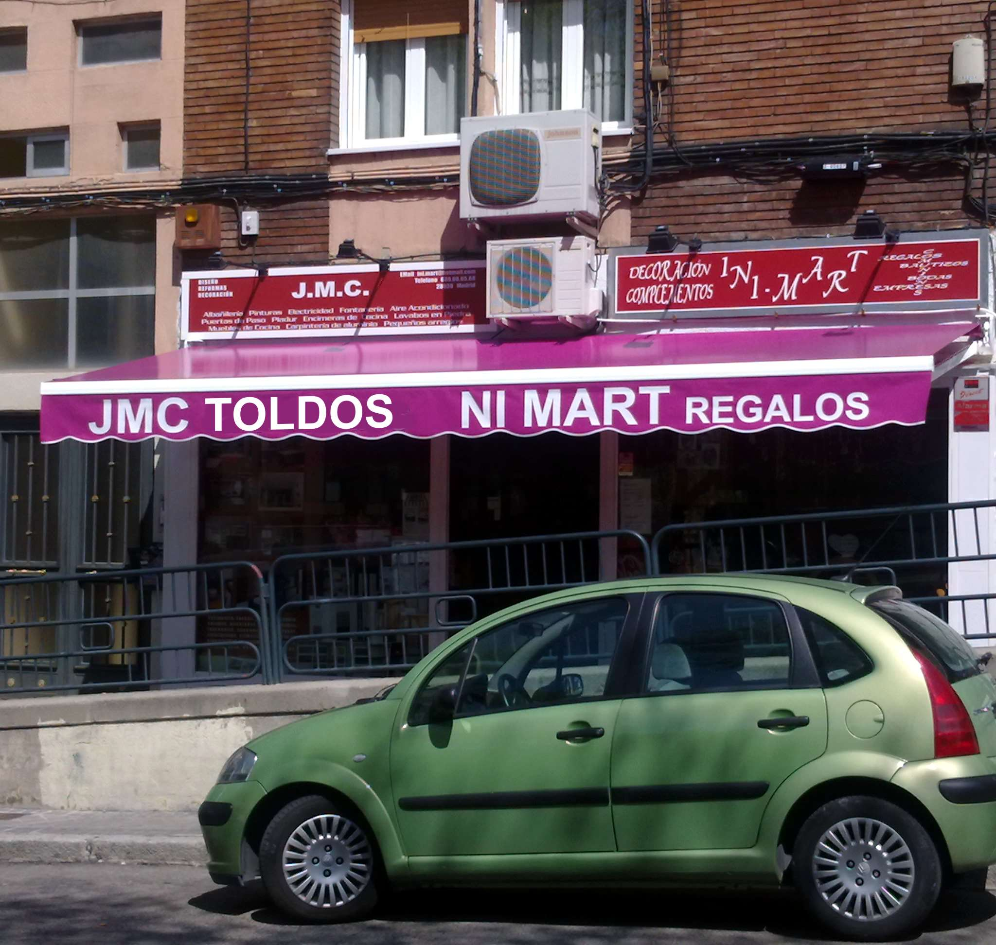 Tienda de toldos en Villanueva de la Cañada (Madrid)